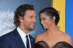 Matthew McConaughey & Camila Alves bei der Premiere von Sing in Los Angeles / 031216