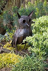 Owl scuplture