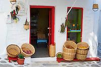 Grèce, Les Cyclades, Ile de Paros, Parikia (Hora), epicerie // Greece, Cyclades, Paros island, Parikia (Hora), vegetable shop