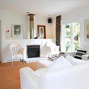 Modern Cottage 773
