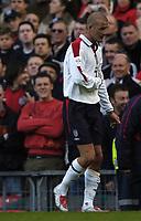 Fotball<br /> VM-kvalifisering<br /> 09.10.2004<br /> Foto: BPI/Digitalsport<br /> NORWAY ONLY<br /> <br /> England v Wales<br /> <br /> David Beckham trudges off injured