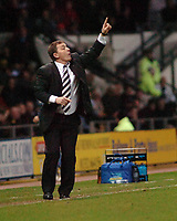 Photo: Kevin Poolman.<br />Derby County v Crystal Palace. Coca Cola Championship. 16/12/2006. Deby manager Billy Davies gives instructions from the touch line.
