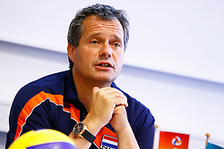 20150506 NED: Selectie Nederlands volleybal team mannen, Arnhem<br />Op Papendal werd het Nederlands team volleybal seizoen 2015-2016 gepresenteerd / Gido Vermeulen<br />©2015-FotoHoogendoorn.nl / Pim Waslander