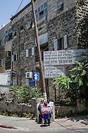 jerusalem, Orthodox jew district.        Gerusalemme, Quartiere Ebreo Ortodosso.