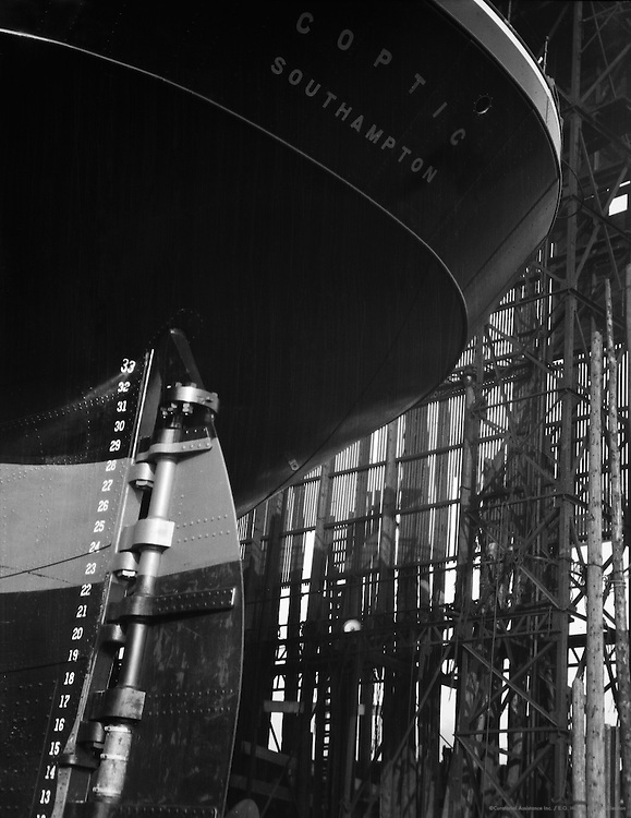 """Launch of the """"Coptic"""", stern view of the hull, Swan Hunter & Wigham Richardson shipyard, England, 1928"""