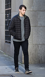 © Licensed to London News Pictures. 19/01/2018. London, UK. Kane Gamble, aged 18, arrives at the Old Bailey for sentencing today, after he admitted trying to hack into the computers of senior US government officials including the director of the CIA and the deputy director of the FBI. He began his attacks aged 15. Photo credit : Tom Nicholson/LNP