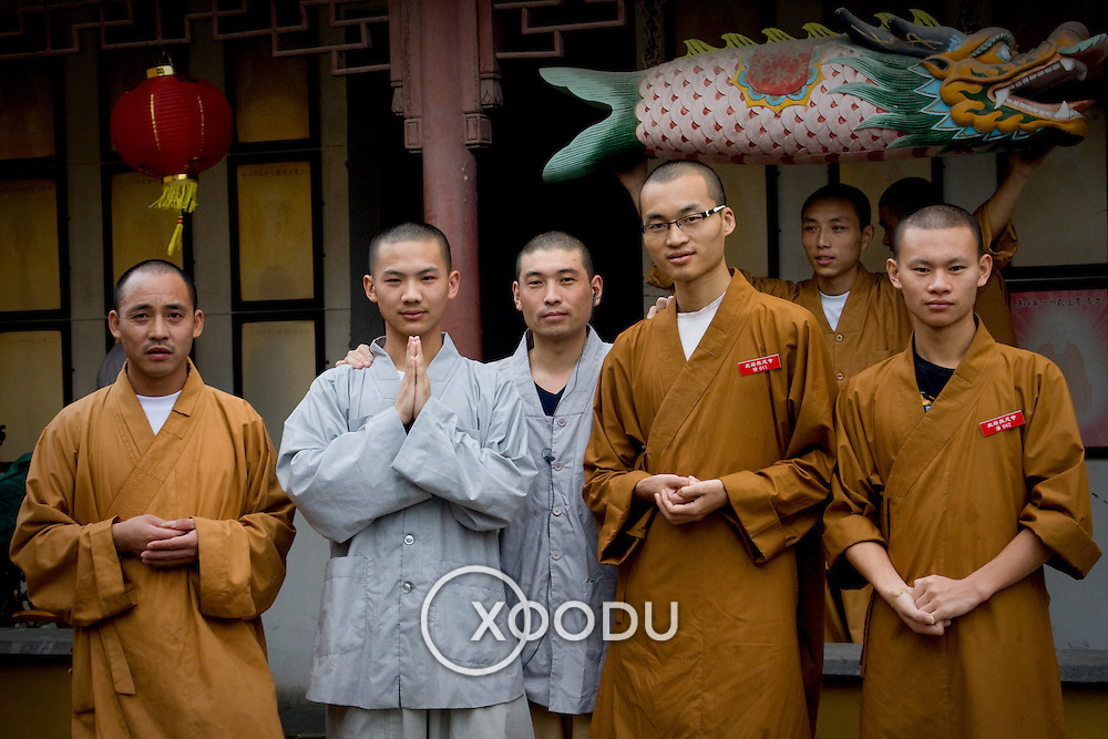 Monks in North Pagoda monastery in Suzhou (Suzhou, China - Sep. 2008) (Image ID: 080926-1138511a)