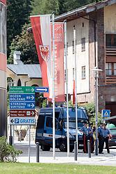 07.07.2017, Brenner-Ort, ITA, Grenzsicherungsmaßnahmen am Brenner, PK Lega Nord, im Bild Bundesstrassen Grenzübergang Einheiten der Polizia // Federal border crossing units of the Polizia during a press conference and demonstration of the Italian Lega Nord Party in Brenner-Ort, Italy on 2017/07/07. EXPA Pictures © 2017, PhotoCredit: EXPA/ Johann Groder