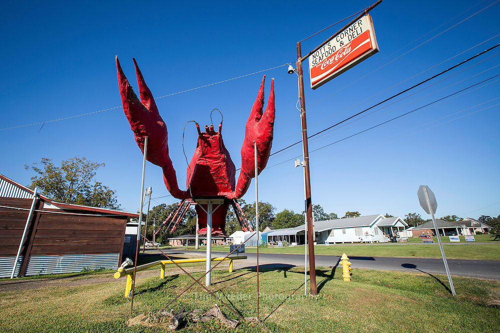 Nott's Corner Seafood & Deli in Lake Arthur, Louisiana is a great place to stop and eat along the Flyway Byway in Jefferson Davis Parish, La.