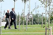 Koning Willem-Alexander en koningin Maxima bij de ingebruikname van het Nationaal Monument MH17 in Vijfhuizen<br /> <br /> King Willem-Alexander and Queen Maxima at the commissioning of the National Monument MH17 in Vijfhuizen
