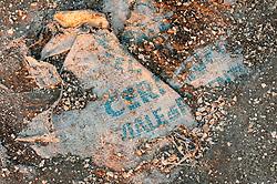 Il complesso produttivo delle saline è situato nel comune italiano di Margherita di Savoia (nome dato dagli abitanti in onore alla regina d'Italia che molto si adoperò nei confronti dei salinieri) nella provincia di Barletta-Andria-Trani in Puglia. Sono le più grandi d'Europa e le seconde nel mondo, in grado di produrre circa la metà del sale marino nazionale (500.000 di tonnellate annue).All'interno dei suoi bacini si sono insediate popolazioni di uccelli migratori e non, divenuti stanziali quali il fenicottero rosa, airone cenerino, garzetta, avocetta, cavaliere d'Italia, chiurlo, chiurlotello, fischione, volpoca..Un sacco semicoperto dalla sabbia sulla sponda di un bacino