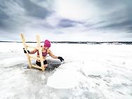 ÖSTERSUND 210223<br /> Vinterbad i Odensalavaken.<br /> <br /> Foto: Per Danielsson/Projekt P