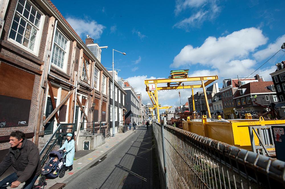 Nederland, Amsterdam, 25 sep 2012.Vijzelgracht. Door werkzaamheden aan de nieuwe metro, de Noord-zuidlijn, zijn woningen aan de vijzelgracht verzakt...Foto(c): Michiel Wijnbergh