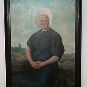 Schilderij Huizer Museum met onbekende vrouw