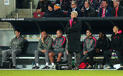 Arsenal manager Arsene Wenger cuts a frustrated figure - Mandatory by-line: Robbie Stephenson/JMP - 23/11/2017 - FOOTBALL - RheinEnergieSTADION - Cologne,  - Cologne v Arsenal - UEFA Europa League Group H