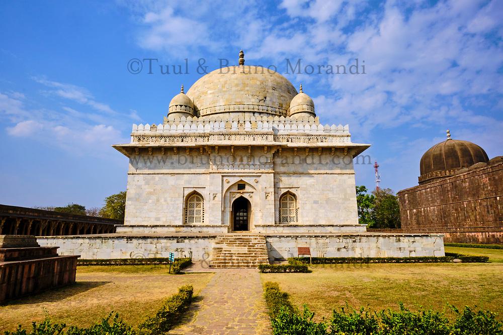 Inde, état du Madhya Pradesh, Mandu, tombeau de Hoshang Shah, architecture afghane, plus ancien mausolée en marbre du pays // India, Madhya Pradesh state, Mandu, tomb of Hoshang Shah, Afghan architecture, the country's oldest marble mausoleum