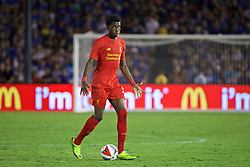 PASADENA, USA - Wednesday, July 27, 2016: Liverpool's Oviemuno Ejaria in action against Chelsea during the International Champions Cup 2016 game on day seven of the club's USA Pre-season Tour at the Rose Bowl. (Pic by David Rawcliffe/Propaganda)