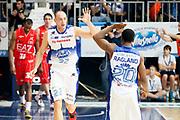 DESCRIZIONE : Cantu Lega A 2013-14 Acqua Vitasnella Cantu EA7 Emporio Armani Milano<br /> GIOCATORE : Marco Cusin Joe Ragland<br /> CATEGORIA : Ritratto Esultanza<br /> SQUADRA : Acqua Vitasnella Cantu<br /> EVENTO : Campionato Lega A 2013-2014<br /> GARA : Acqua Vitasnella Cantu EA7 Emporio Armani Milano<br /> DATA : 23/12/2013<br /> SPORT : Pallacanestro <br /> AUTORE : Agenzia Ciamillo-Castoria/G.Cottini<br /> Galleria : Lega Basket A 2013-2014  <br /> Fotonotizia : Cantu Lega A 2013-14 Acqua Vitasnella Cantu EA7 Emporio Armani Milano<br /> Predefinita :