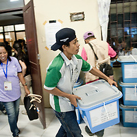 Dili, East Timor, 07 July 2012<br /> East Timorese election officials transport ballot boxes at the end of the parliamentary elections.<br /> Photo: Ezequiel Scagnetti © European Union