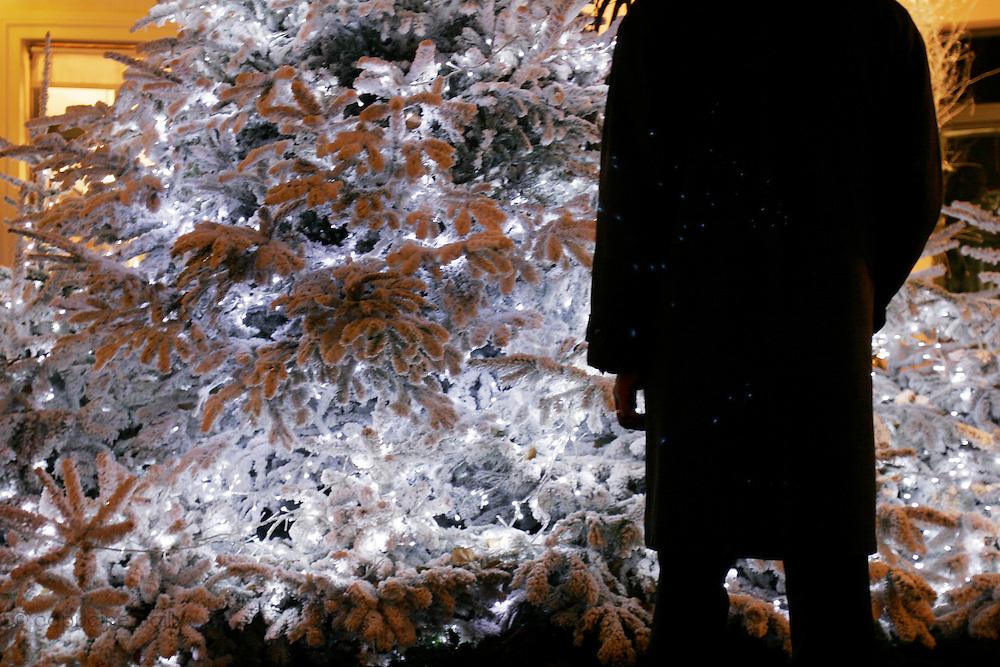 Paris, France. December 19th 2005..Christmas atmosphere..