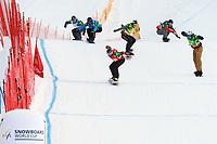 Snowboard<br /> Schruns-Tschagguns Østerrike<br /> 07.12.2013<br /> Foto: Gepa/Digitalsport<br /> NORWAY ONLY<br /> <br /> FIS Weltcup Montafon, Snowboardcross, Boarder Cross der Herren. Bild zeigt den Zieleinlauf mit Henri De Le Rue (FRA), Emanuel Perathoner (ITA), Kevin Hill (CAN), Anton Lindfors (FIN), Maciej Jodko (POL) und Stian Sivertzen (NOR).