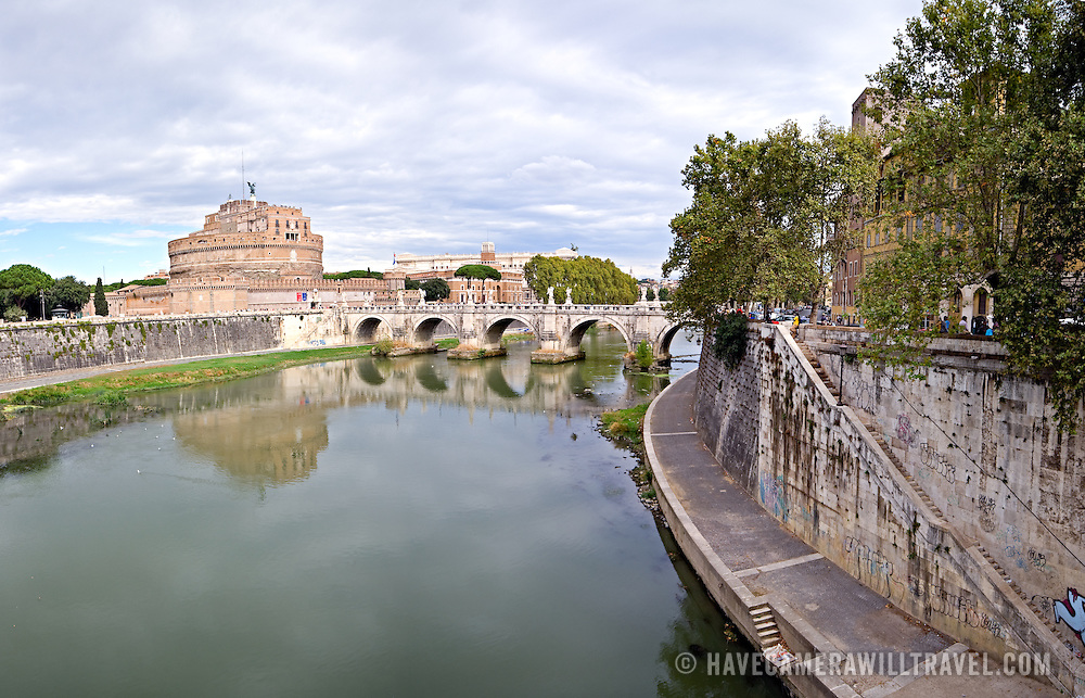 High resolution panorama of the Castel Sant'Angelo, Rome, and Tiber River