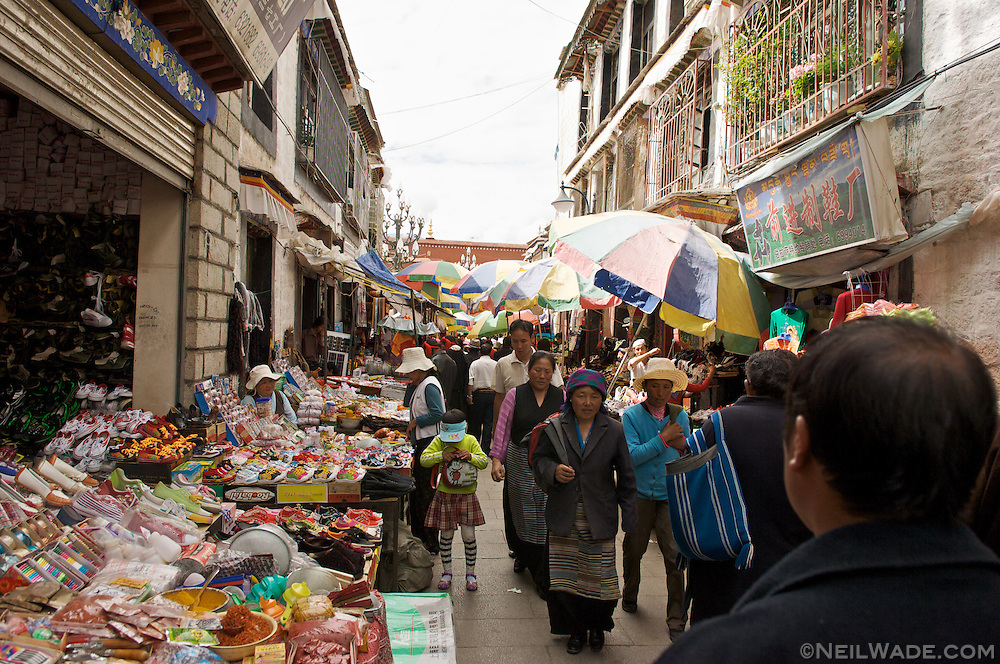 A smaller allwey way found near the Barkor in Lhasa, Tibet.