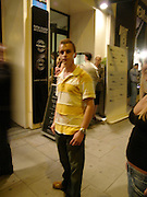 Steve Goddard, Outside the GQ Style party. Harvey Nichols. Knightsbridge. 21 September 2005. ONE TIME USE ONLY - DO NOT ARCHIVE  © Copyright Photograph by Dafydd Jones 66 Stockwell Park Rd. London SW9 0DA Tel 020 7733 0108 www.dafjones.com
