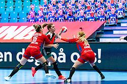 Katrinn Klujber of Hungary, Ndela J Njusevic of Serbia during the Women's EHF Euro 2020 match between Serbia and Hungary at Sydbank Arena on december 06, 2020 in Kolding, Denmark (Photo by RHF Agency/Ronald Hoogendoorn)