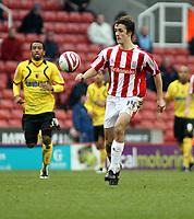 Photo: Mark Stephenson/Sportsbeat Images.<br /> Stoke City v Watford. Coca Cola Championship. 09/12/2007.Stokes Danny Pugh on the ball