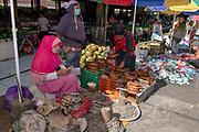 Traders at Tomohon emarket, Minahasa, northern Sulawesi, Indonesia.