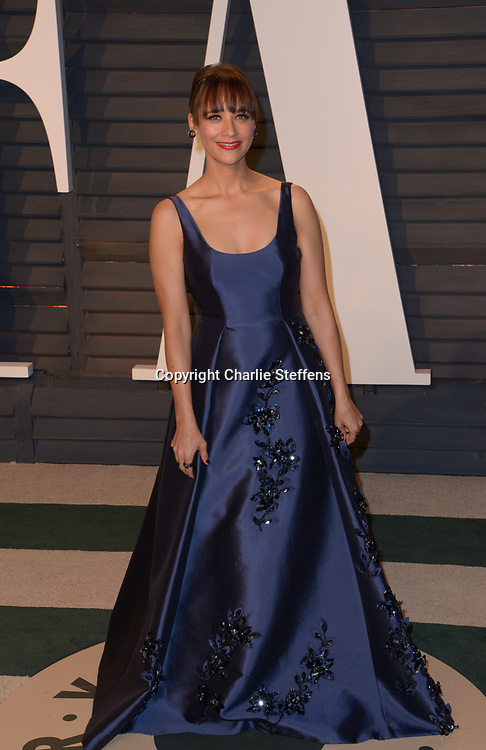 Rashida Jones at the Vanity Fair Oscar Party on February 26, 2017 at the Wallis Annenberg Center for the Performing Arts in Beverly Hills, California (Photo: Charlie Steffens/Gnarlyfotos)