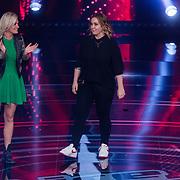 NLD/Hilversum/20180216 - Finale The voice of Holland 2018, Anouk Teeuwe en Sanne Hans