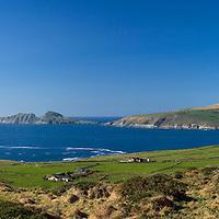 Blue Sky over the Glen County Kerry, Ireland / fb002