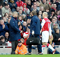 Photo: Ed Godden.<br />Arsenal v Portsmouth. The Barclays Premiership. 16/12/2006. Arsenal's Freddie Ljungberg is substituted after 5 minutes.