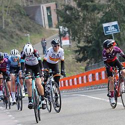 18-04-2021: Wielrennen: Amstel Gold Race women: Berg en Terblijt: Anna Shackley: Mavi Garcia: Lucy Kennedy