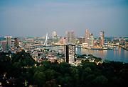 Skyline van Rotterdam. analoog © Holland Kodak Ektar serie