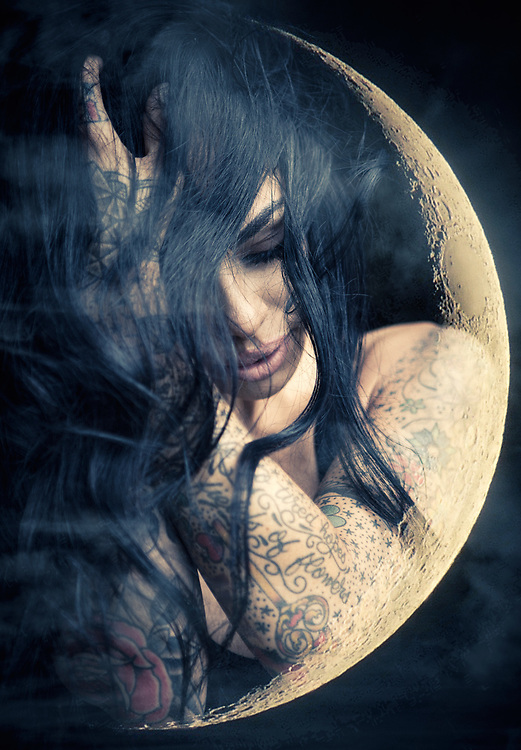Dedicated to the many PHASES of the moon.  Lunar shapes with fashion models.<br /> ©justinalexanderbartels.com