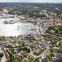 Grimstad sett fra luften en august dag.