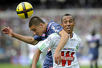FOOTBALL - FRENCH CHAMPIONSHIP 2010/2011 - L1 - GIRONDINS BORDEAUX v AS SAINT ETIENNE - 24/04/2011 - PHOTO JEAN MARIE HERVIO/ DPPI - VUJADIN SAVIC (GDB) / PIERRE AUBAMEYANG (ASSE)