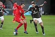 Fussball: 2. Bundesliga, FC St. Pauli - VFL Bochum, Hamburg, 28.01.2021<br /> Robert Tesche (Bochum, l.) - Guido Burgstaller (Pauli)<br /> © Torsten Helmke