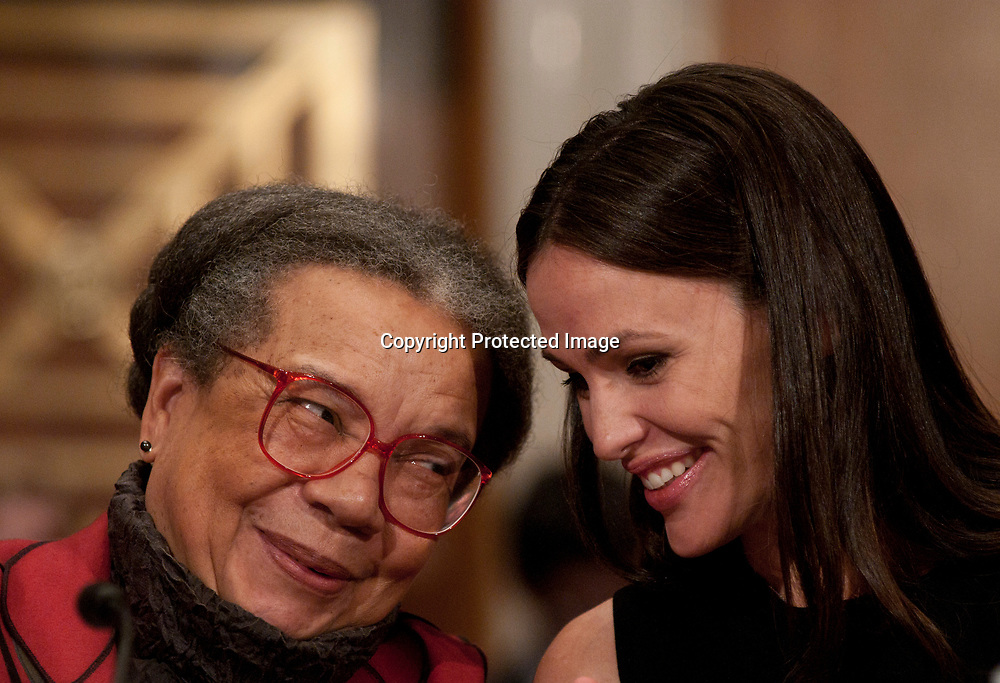 Marian Wright Edelman (L) and Jennifer Garner speak during a hearing before the Senate Health, Education, Labor and Pensions committee at the Senate Dirksen Building on November 18, 2010 in Washington, DC.