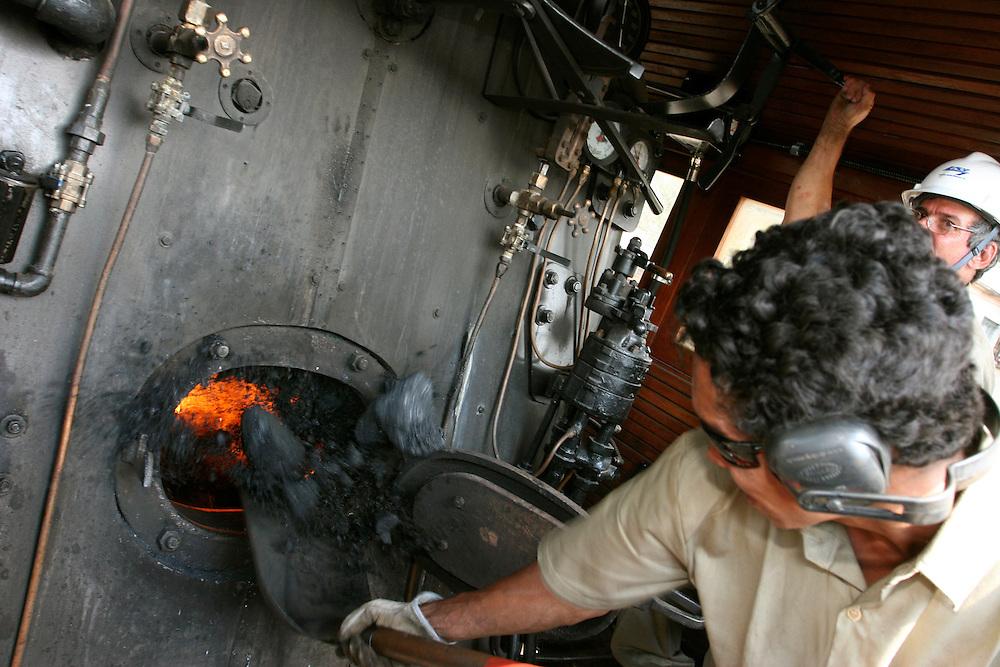 Mariana_MG, Brasil...Maria Fumaca restaurada que faz o trajeto entre Mariana e Ouro Preto..The steam locomotive, its travel  is between Mariana and Ouro Preto...Foto: LEO DRUMOND / NITRO .