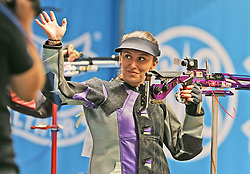 05.09.2015, Olympia Schiessanlage Hochbrueck, Muenchen, GER, ISSF World Cup 2015, Gewehr, Pistole, Damen, 10 Meter Luftgewehr, im Bild Andrea Arsovic (SRB) lachend, winkend // during the women's 10M air rifle competition of the 2015 ISSF World Cup at the Olympia Schiessanlage Hochbrueck in Muenchen, Germany on 2015/09/05. EXPA Pictures © 2015, PhotoCredit: EXPA/ Eibner-Pressefoto/ Wuest<br /> <br /> *****ATTENTION - OUT of GER*****