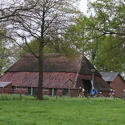 60e ronde van Overijssel koplopers in de buurt vn Markelo-Stokkum