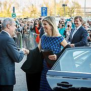 NLD/Dordrecht/20150414 - Leden van de Koninklijke Familie bezoeken het Koningsdagconcert 2015, Koning Willem - Alexander en Konining Maxima,