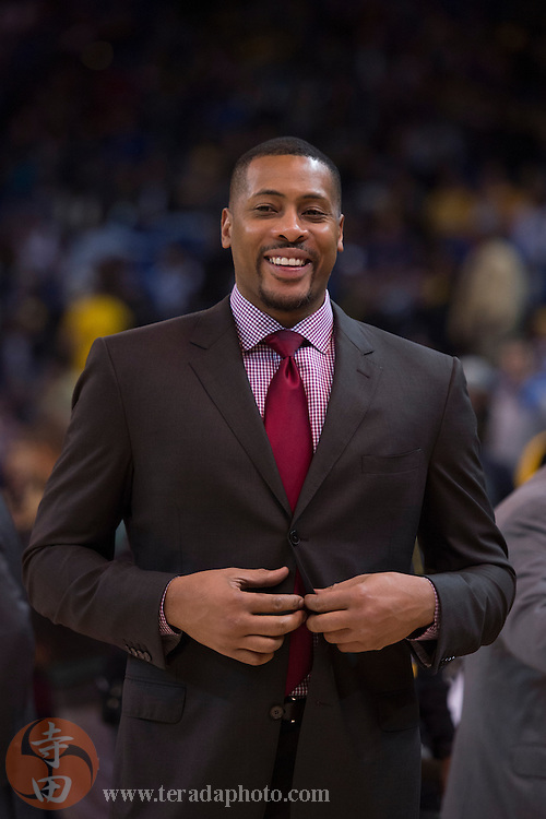 November 17, 2015; Oakland, CA, USA; Toronto Raptors assistant coach Jamaal Magloire before the game against the Golden State Warriors at Oracle Arena. The Warriors defeated the Raptors 115-110.