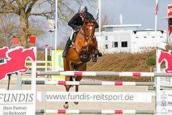 08.1, Youngster-Springprfg. Kl. M* 6+7j. Pferde, Ehlersdorf, Reitanlage Jörg Naeve, 29.04. - 02.05.2021,, Thomas Voss (GER), Calciano,