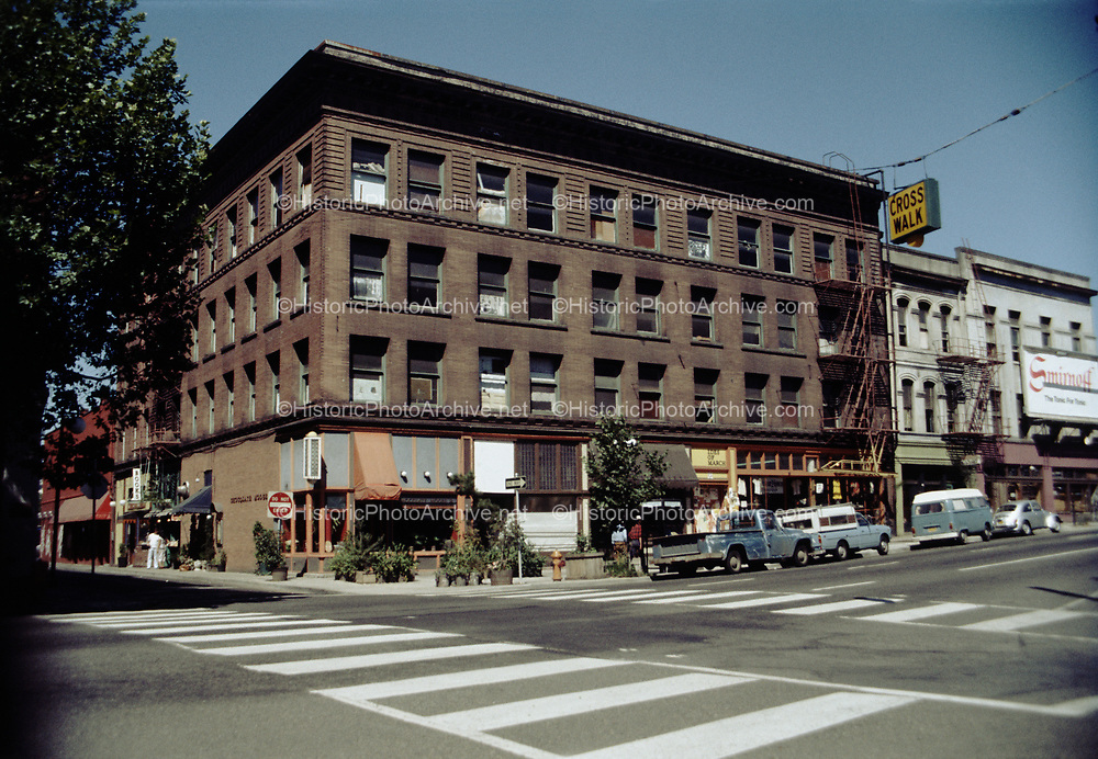 CS02096.  Chocolate Moose, Home Hotel. SW Second & Ankeny. August 1978