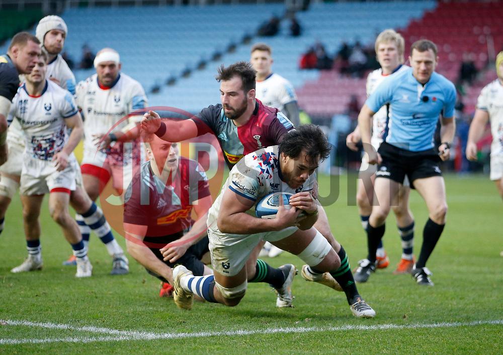 Steven Luatua  of Bristol Bears scores his team's 2nd Try beating Scott Baldwin of Harlequins  - Mandatory by-line: Matt Impey/JMP - 26/12/2020 - RUGBY - Twickenham Stoop - London, England - Harlequins v Bristol Bears - Gallagher Premiership Rugby